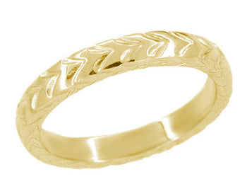 3mm Art Deco Chevron Carved Wedding Band in 14 Karat Yellow Gold