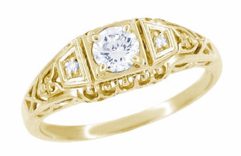 Art Deco Filigree Diamond Engagement Ring in 14 Karat Yellow Gold