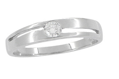 Vintage Moderne Cutout Diamond Ring in 14 Karat White Gold