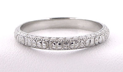 Edwardian Flowers and Bows Antique Wedding Ring in 18 Karat White Gold - Size 6 1/4 - Item: R720 - Image: 2