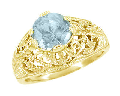 Edwardian Aquamarine Filigree Ring in 14 Karat Yellow Gold