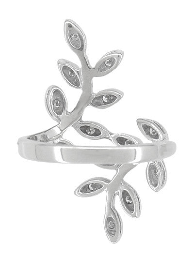 Vintage Diamond Leaves Ring in 14 Karat White Gold - Item: R790 - Image: 1