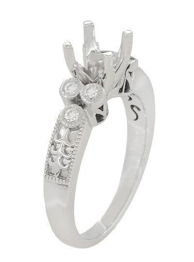 14 Kt White Gold  Vintage Flower with Detailed Fluer De Lis Accents  Ring Size 7.5