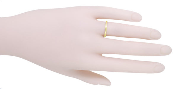 Art Deco Engraved Wheat Wedding Band in 18 Karat Yellow Gold - Item: R858Y18ND - Image: 2