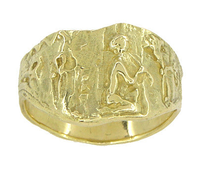 Bas-Relief Greek Scene Triangle Cigar Band in 18 Karat Yellow Gold - Item: R927 - Image: 4