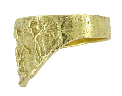 Bas-Relief Greek Scene Triangle Cigar Band in 18 Karat Yellow Gold - Item: R927 - Image: 1