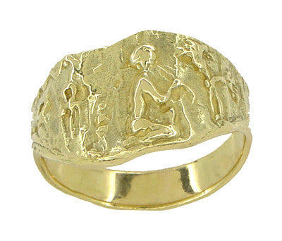 Bas-Relief Greek Scene Triangle Cigar Band in 18 Karat Yellow Gold