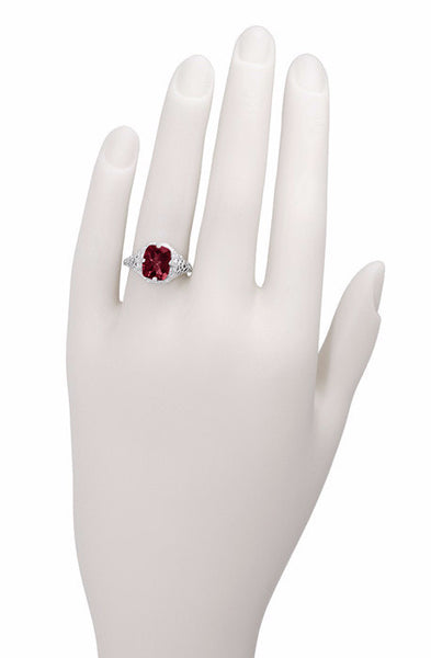Art Deco Flowers and Leaves Rhodolite Garnet Filigree Ring in 14 Karat White Gold - Item: R289 - Image: 2