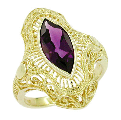 Art Deco Amethyst Filigree Cocktail Ring in 14 Karat Yellow Gold