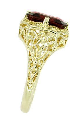 Art Deco Flowers and Leaves Almandine Garnet Filigree Ring in 14 Karat Yellow Gold - Item: RV193 - Image: 2