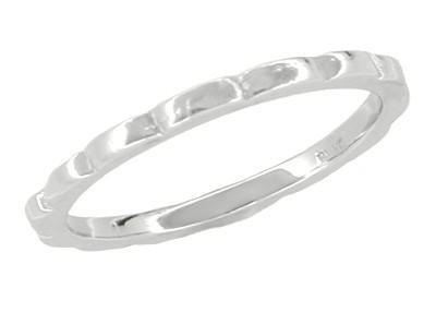 Retro Moderne Scalloped Thin Wedding Ring in Platinum - Size 4 3/4
