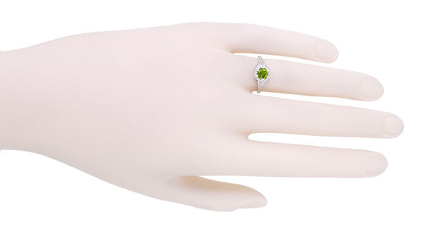 Art Deco Filigree Flowers Sterling Silver Peridot Promise Ring - Item: SSR706P - Image: 3