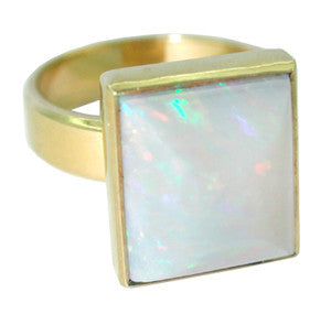 Sugarloaf White Opal Antique Ring in 18 Karat Gold