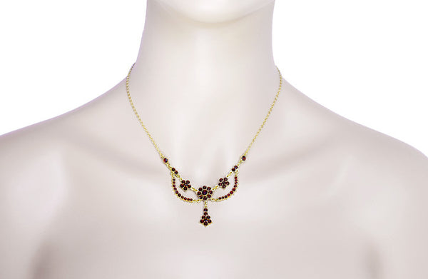 Victorian Bohemian Garnet Teardrop Necklace in Sterling Silver and Yellow Gold Vermeil - Item: N110 - Image: 2