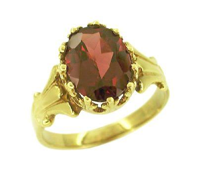 Victorian Garnet Ring in 14 Karat Gold