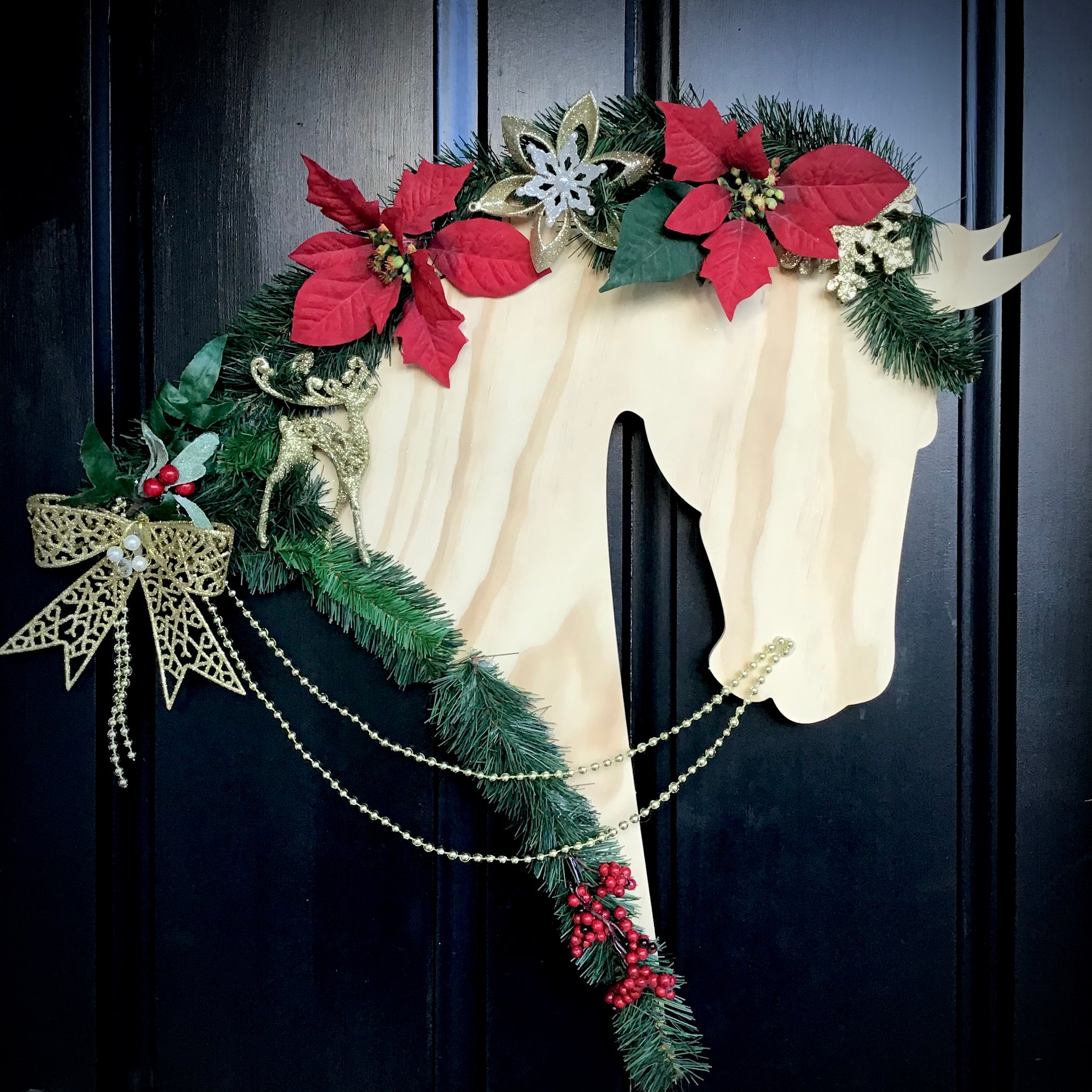 Horse Christmas Wreath: Bow - Horseshoe Mementoes