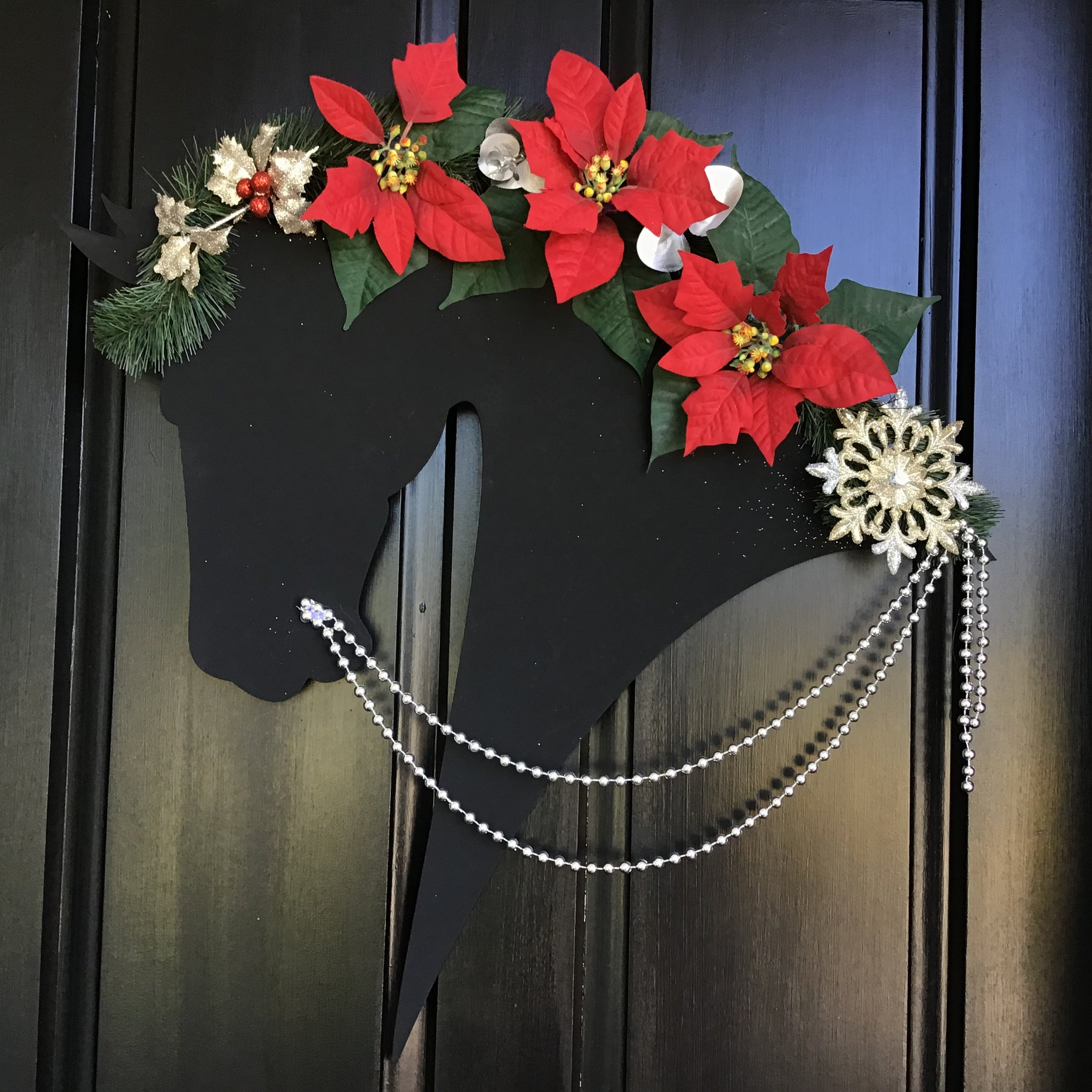Horse Christmas Wreath: Holly - Horseshoe Mementoes