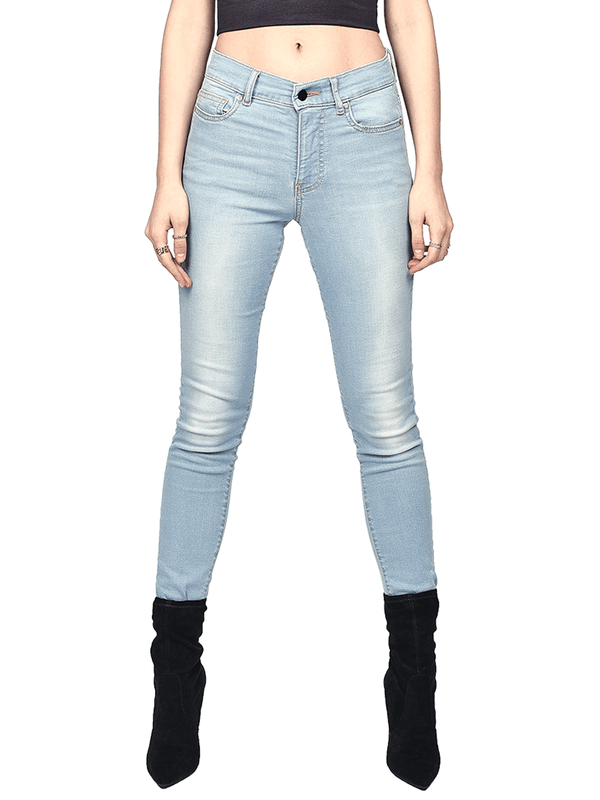 Skinny Jeans - Light Wash - lakenzie