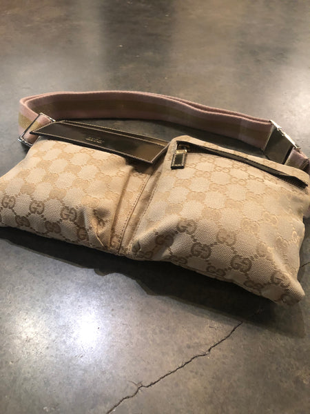 Vintage Gucci logo belt bag