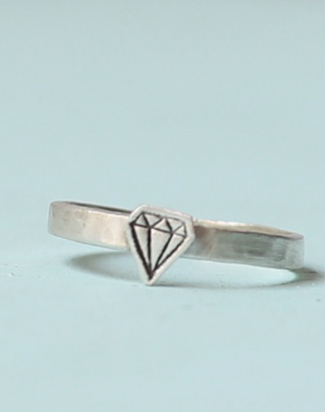 Silver Illustrated Diamond Ring