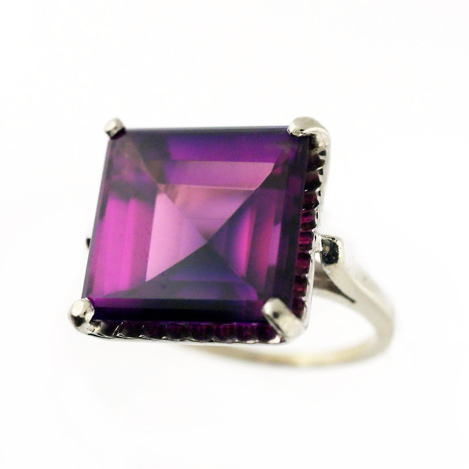 10k White Gold Large Amethyst Ring