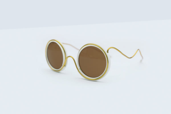 Wires Glasses White 360° Brass