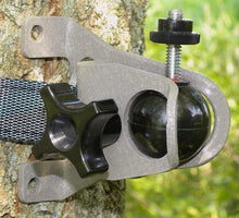 Load image into Gallery viewer, Camlock Universal Mounting Bracket for Trail Cameras without Security Box