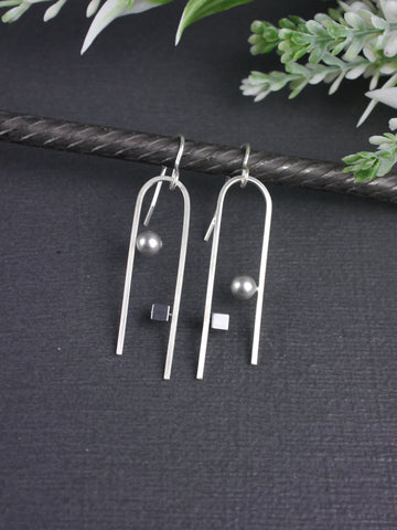 Asymmetrical Hematite and Grey Crystal Pearl Tong Earrings