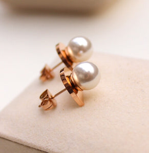 Daenerys White Pearl atop Half Oval Base in Rose Gold Stud Earrings