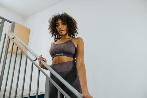 Aki Sports Bra - Passion