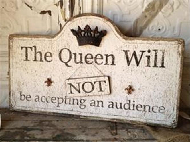 The Queen Sign