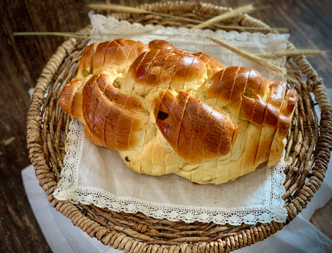 Polish Challah with Raisin - Polana