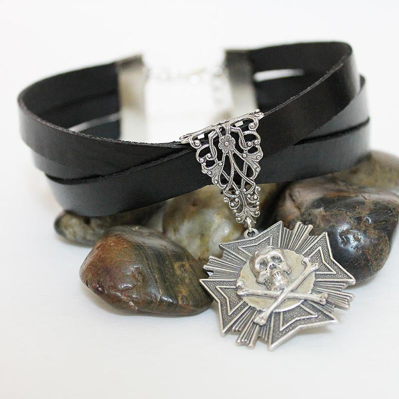 Black Leather Silver Gothic Skull Pendant Choker