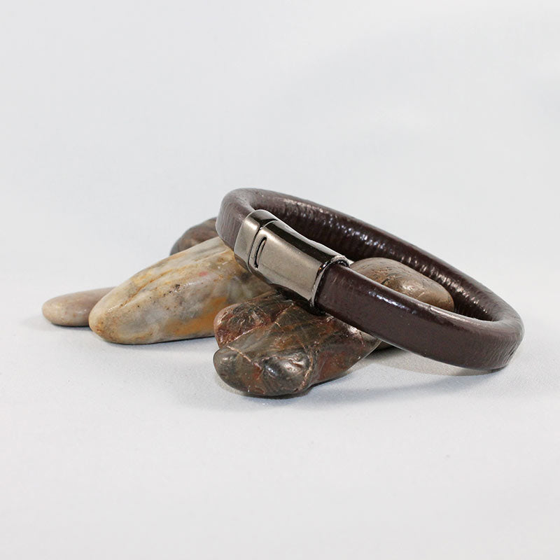 Brown Leather Magnetic Clasp Bracelet