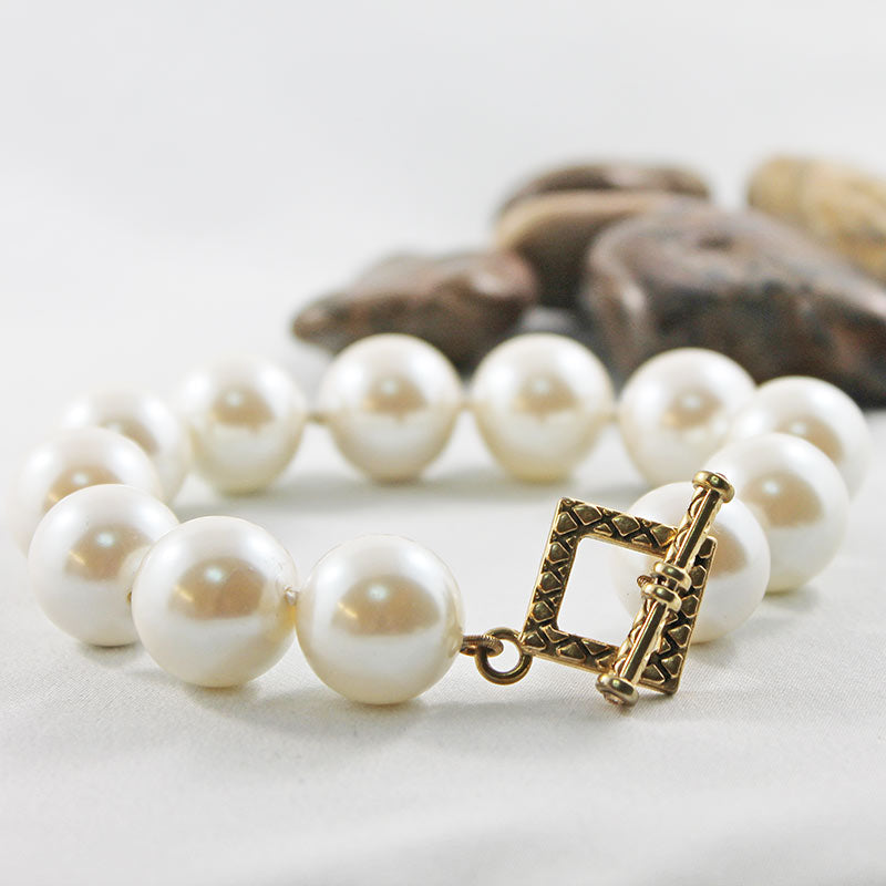 Hand Knotted Large Pearl Bracelet with Gold Toggle Clasp