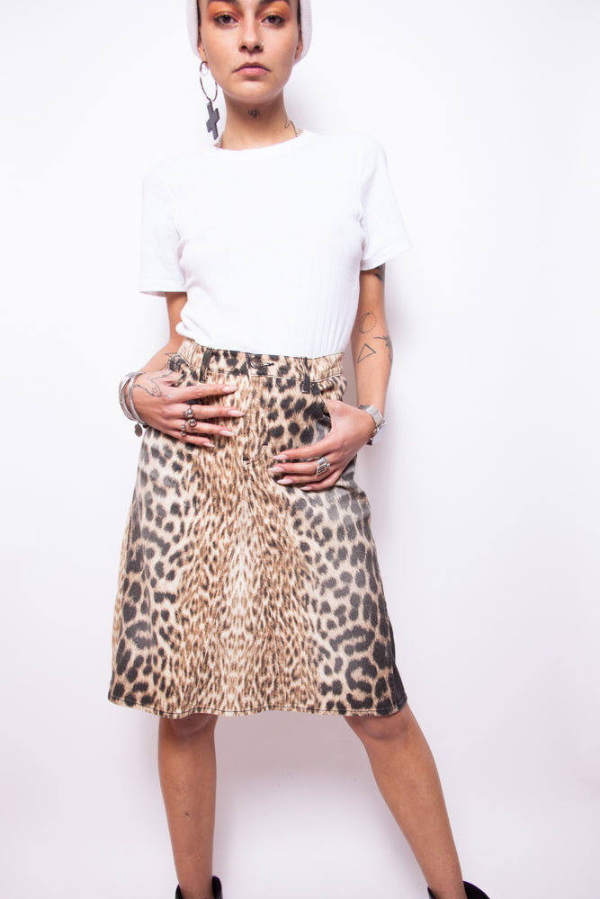 fee5dbfa78e1 Vintage 90s Just Cavalli Leopard Print Pencil Skirt – The Black Market