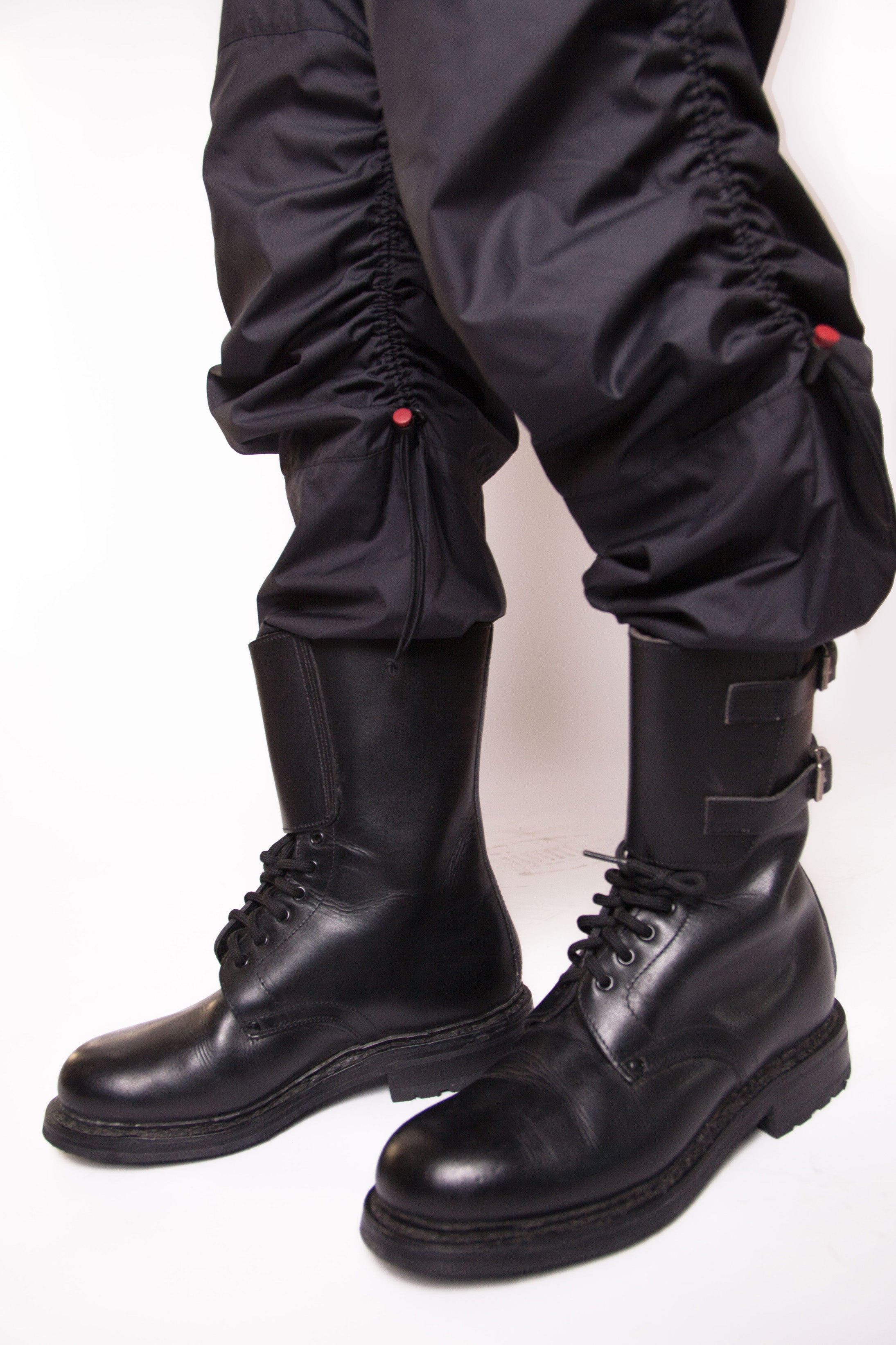 ecb4c29e97984 Vintage 90s Y2K Buckled Combat Boots