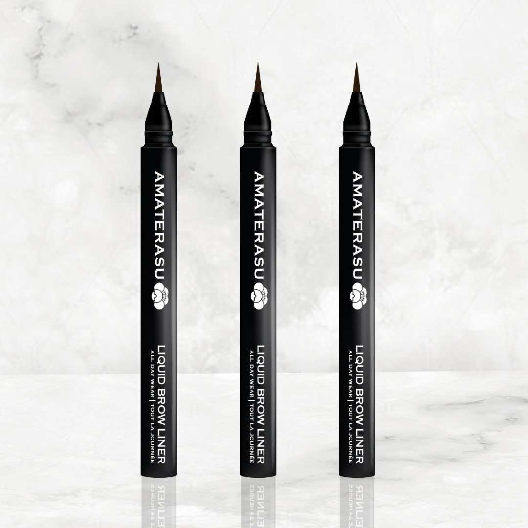 Liquid Brow Trio Set define your brows flawlessly. Its revolutionary shaped microfiber brush