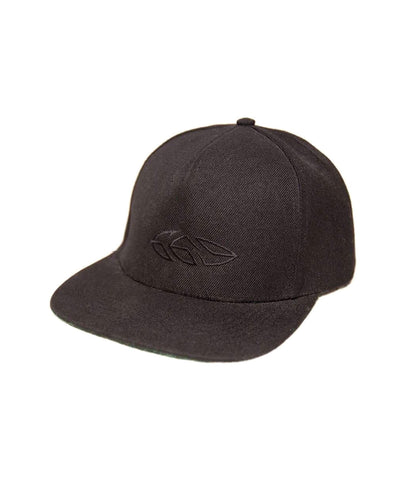 G69 Leather Peak Snapback. Grey / Black