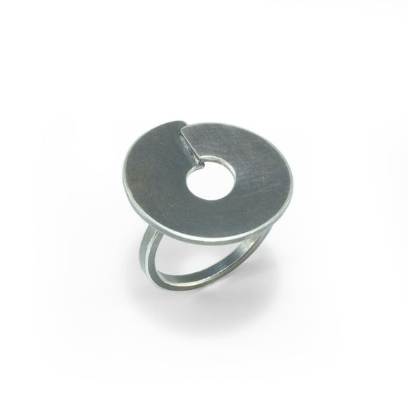 nishnabotna jewelry, sterling silver small disk ring with overlap with black patina