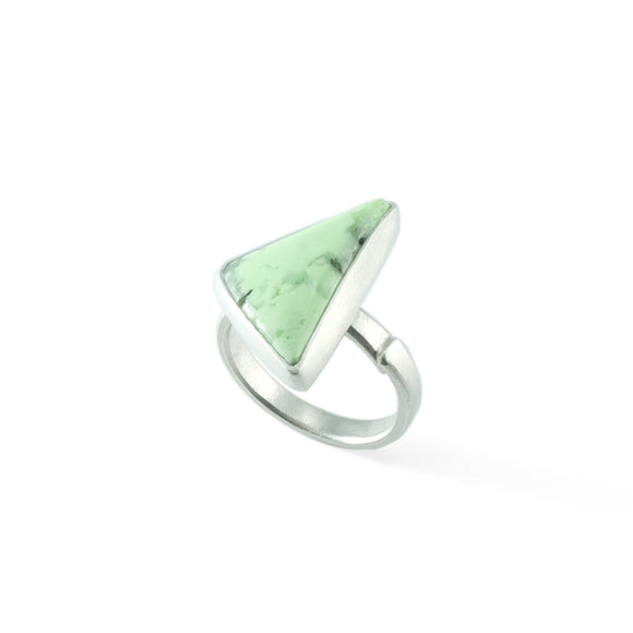nishnabotna silver boyer ring with lemon chrysoprase