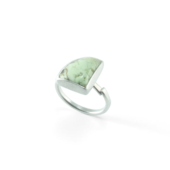 nishnabotna silver ring with lemon chrysoprase