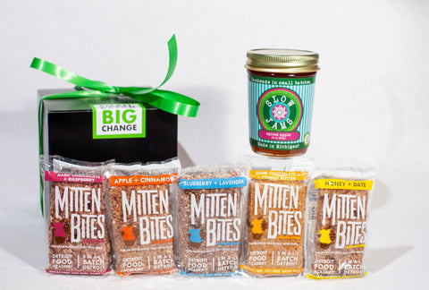 Holiday Gifts Detroit with 5 mitten bites flavors and slow jams jar