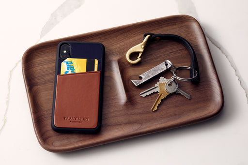 Cognac/Navy - Travelteq iPhone Case XS Max - With phone and metro card in pocket, on catch all tray with wallet and keys