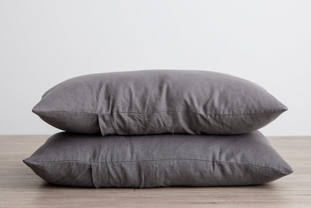 CULTIVER Set of 2 Linen Pillowcases