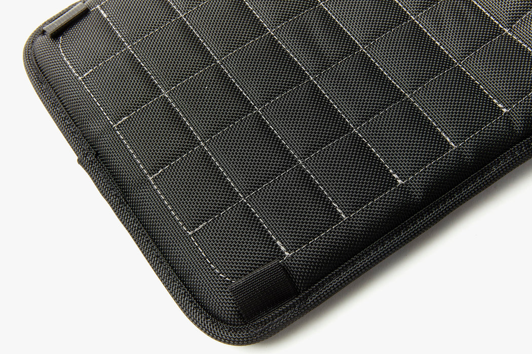 Velomacchi Speedway Impact Tablet & Laptop Sleeve - Small - Close up