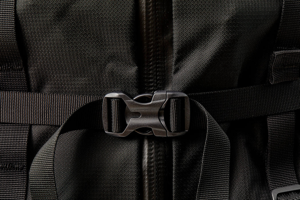 Mystery Ranch Scree 32 Backpack - Black - close-up view of a buckle