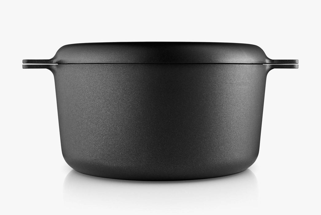 Black Pot With Lid - Sealed