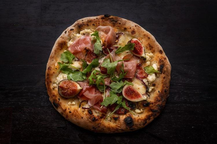 Prosciutto, Fig & Ricotta Pizza Featured Image