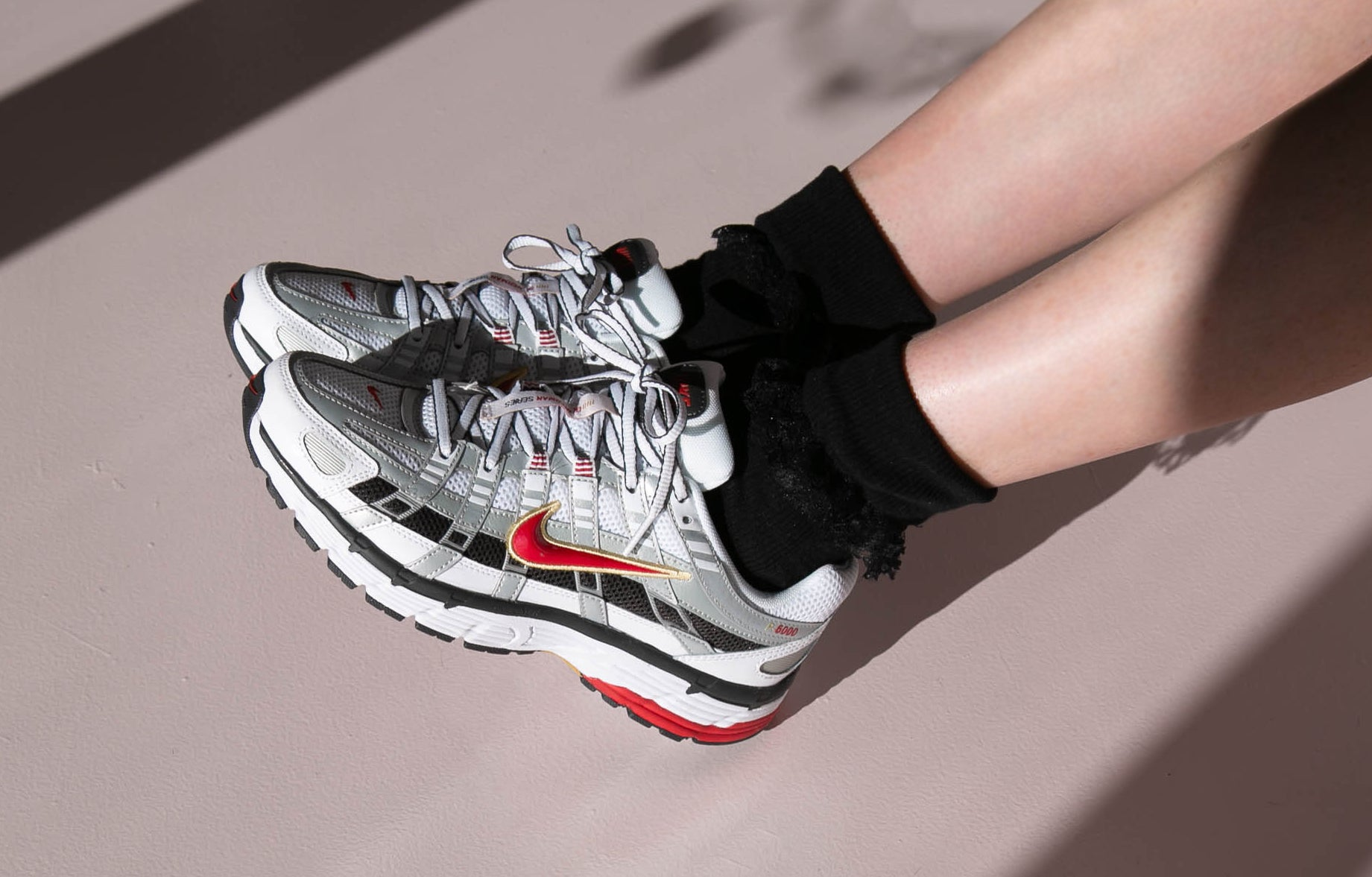 /blogs/for-the-honeys/style-meets-comfort-nike-p-6000-review-size-guide